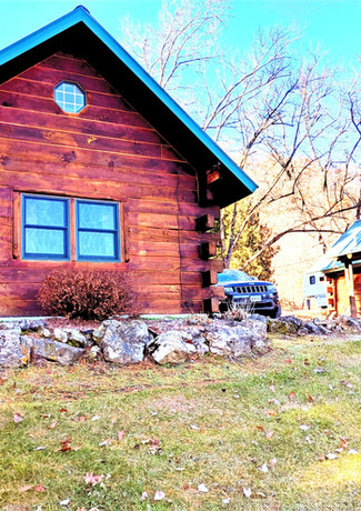 Andy Mountain Cabins, Harpers Ferry Iowa