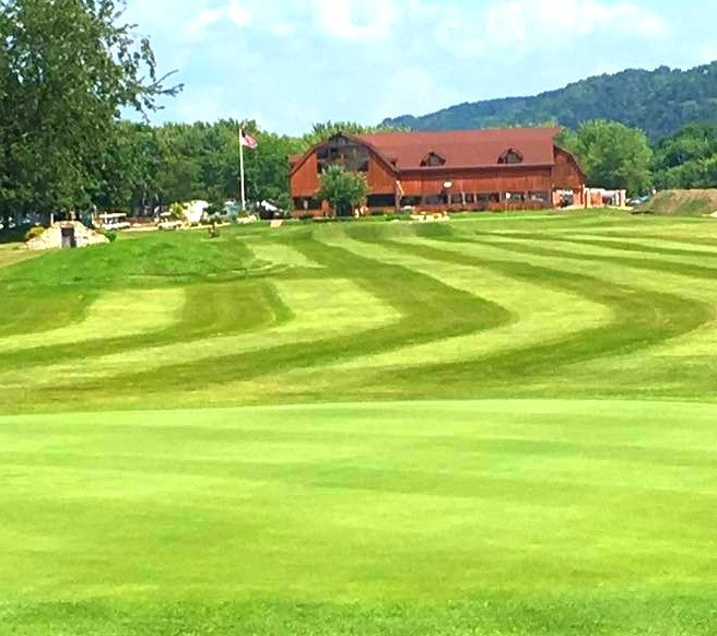 Barn%2520Yard%25209%2520Golf%2520course%