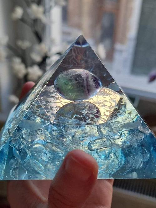 Grande pyramide vibratoire - La nature éveillée