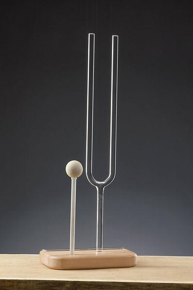 Stimmgabel aus Kristall von Dieter Schrade, Klangtheraphie, Klanginstrumente