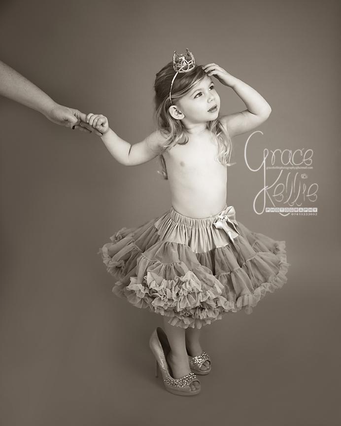 GraceKelliePhotography isabella-33 copy