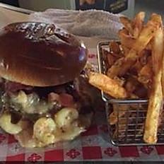Bacon Mac and Cheese Burger
