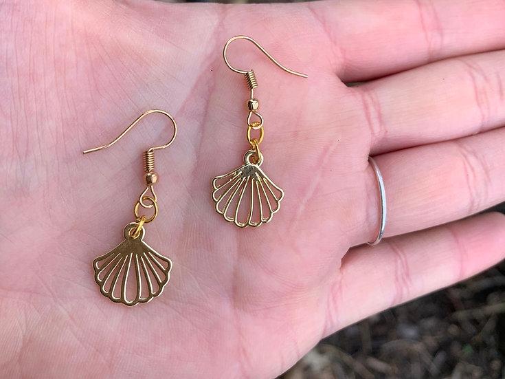 Dainty Sea Shell Earrings