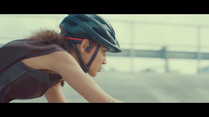 One of two even shorter versions of the online Aftershokz video for online advertisements.