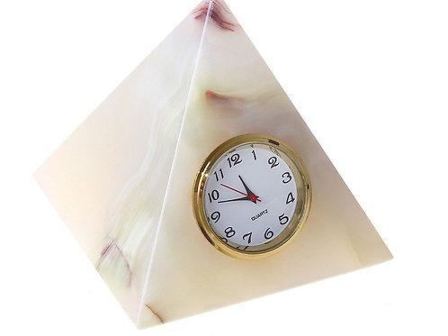 Часы-пирамида из оникса