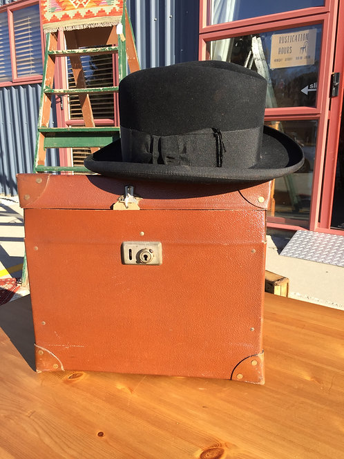 Gentleman's Black Trilby Hat in Leather Travelling Box
