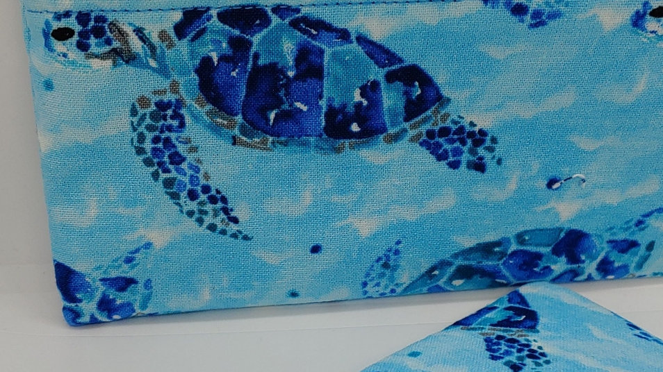 Mosaic sea turtle pouch