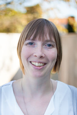 Dr. Ellen Van den Bergh