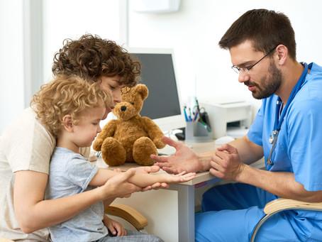 Guia para pais: 5 formas de tornar o momento de exames laboratoriais em crianças mais fácil.