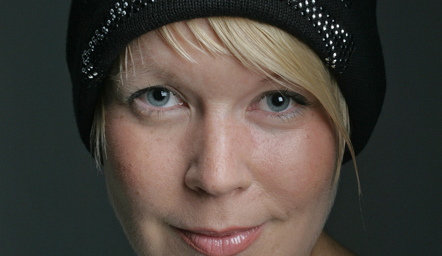 01 Elina Hirvonen. Writer. Helsinki 2006