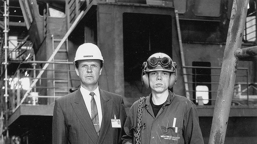 34 Boss and worker, Wärtsilä yards. Helsinki 1989