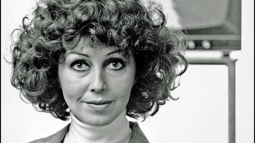 16  Lenita Airisto. Tv-hostess. Helsinki 1977