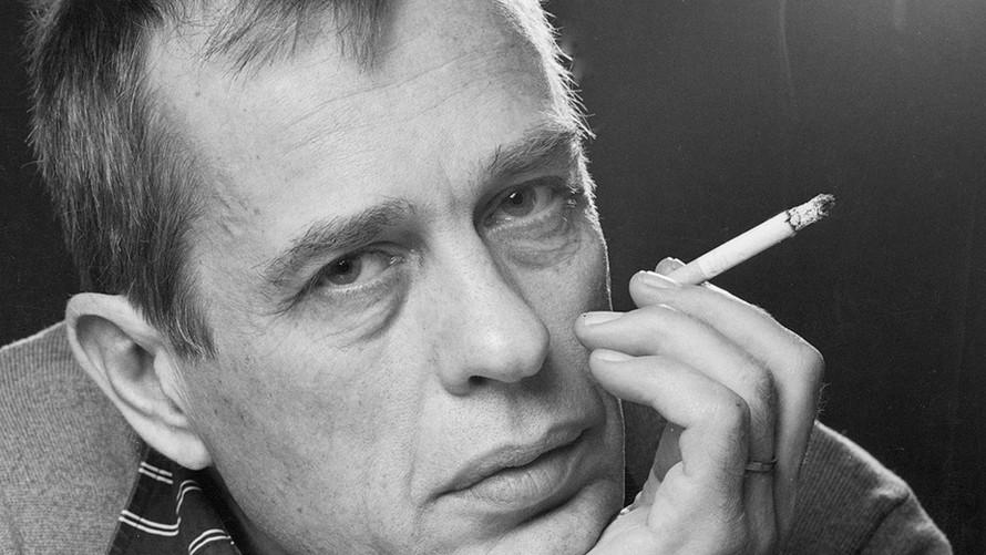 31 Jörn Donner. Writer and director. Helsinki 1986