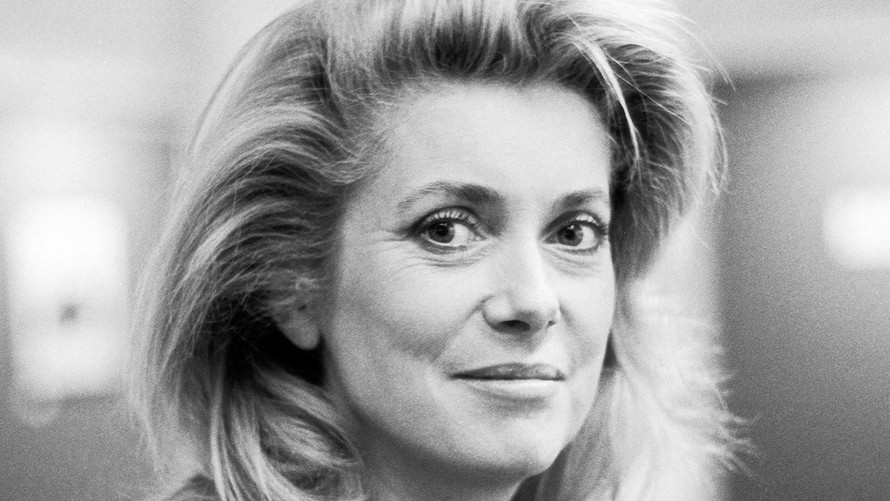 23 Catherine Deneuve. Paris 1985