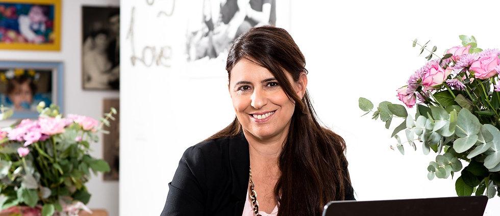 Debbie Katzav smiling