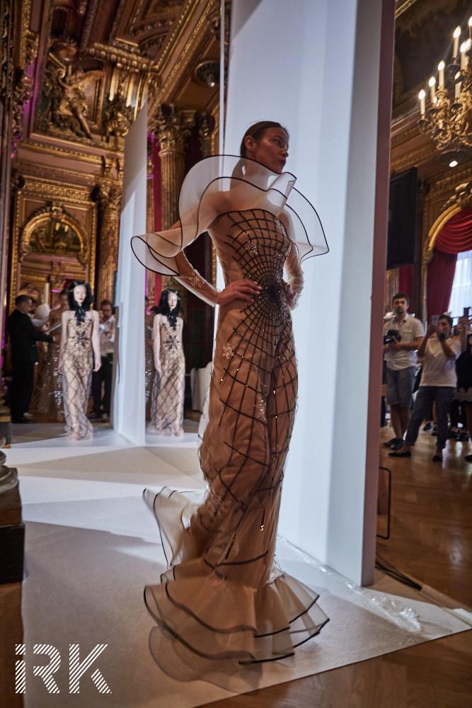 Yanina Couture, Fall-Winter 2017 Backstage Photo by Iris Brosch