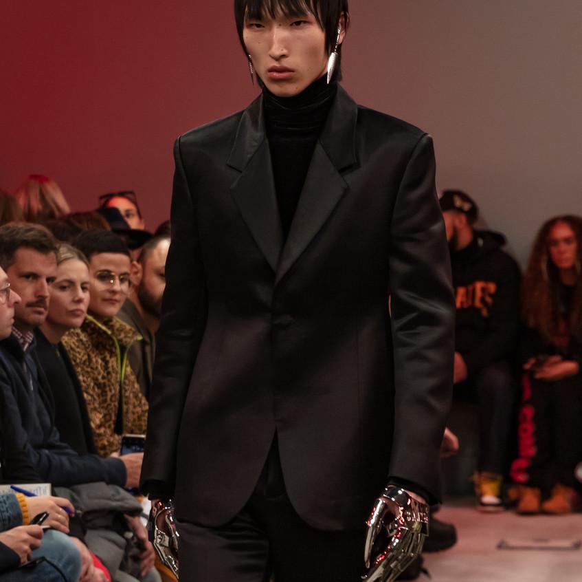 Shangguan Zhe's fashion show at Sothebys, Paris.  Photographer Silvia Markeviciute.