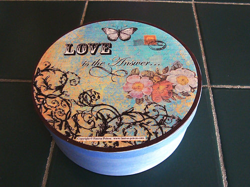 """""""Love is the answer"""" round box"""