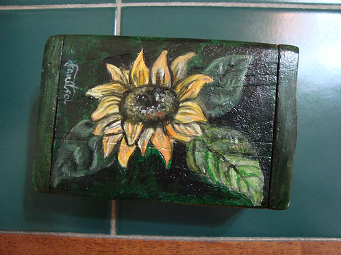 """Sunflower"" green wooden box"