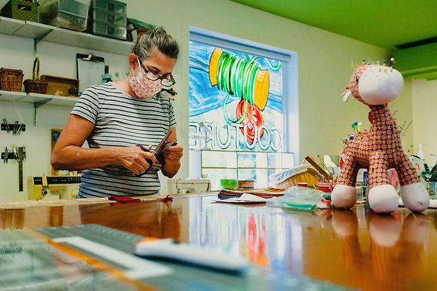 Atelier de couture bénévole