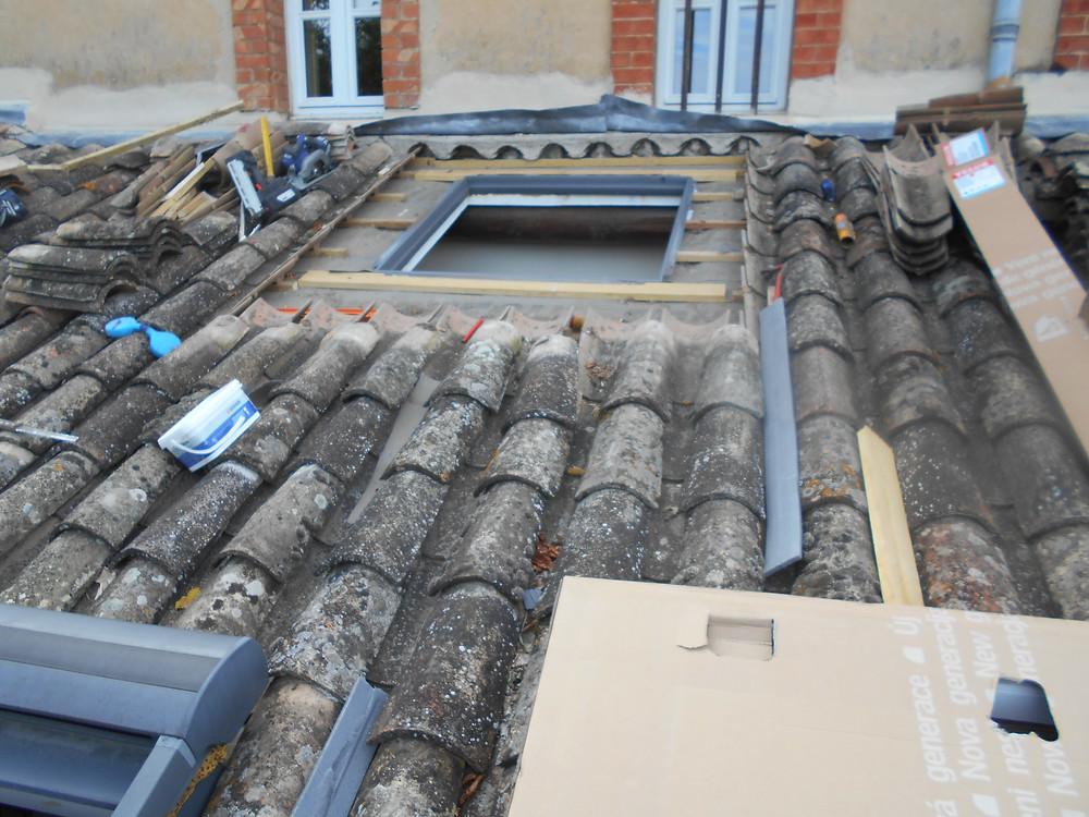 Pose et Remplacements de Fenêtres de Toit Velux par nos Couvreurs sur la commune de Mollégès (13940)