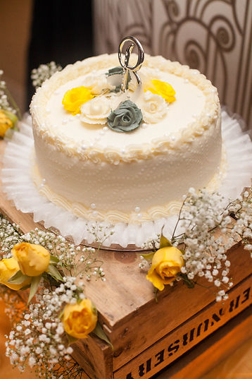Glamour N'Glitz Events Photography by Mcphereson wedding cake