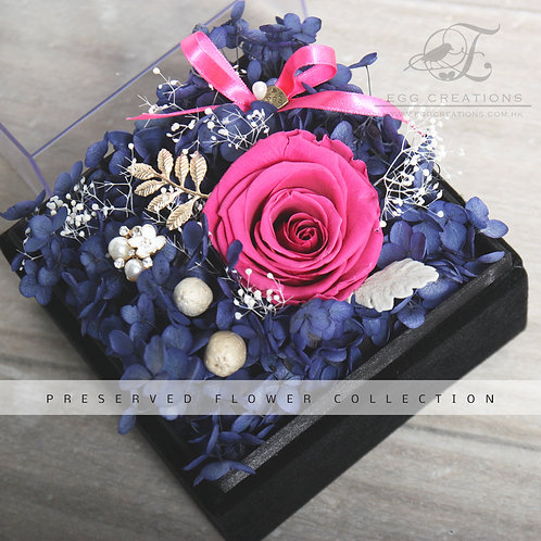 Preserved Rose with Gold ornaments and Blue Hydrangea