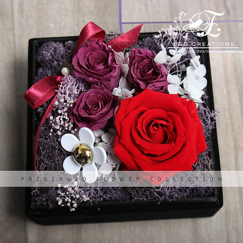Preserved Rose with Daisy Ornament in Display Box