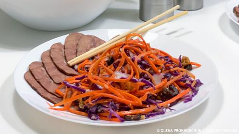 """Салат з моркви та синьої капусти """"вітамінний"""""""