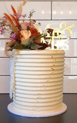 Dried flowers wedding cake