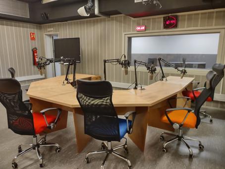 La Universitat Rovira i Virgili renueva el estudio de radio del Dept. de Estudios de Comunicación