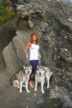 woman who walks wolves
