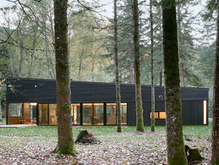 Robert Hutchison Architecture Design A Courtyard House On A River