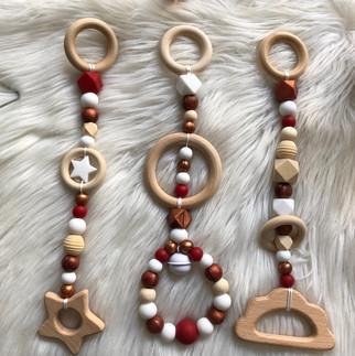 Etoile Rouge Sombre, Blanc et Bronze