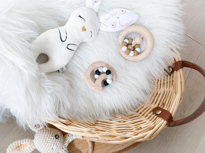 Lune avec ses perles (assorties a vos couleurs)