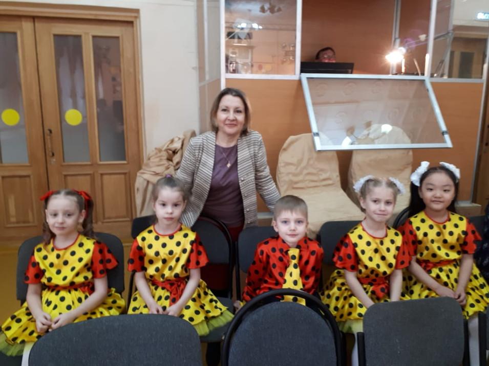Вокальная группа «Певчие птички» рук. Максимова О.В.