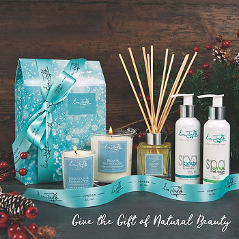 Eve_Taylor_Christmas_Gifts_Social_Give_t