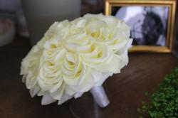 Glamelia réalisé avec de véritables roses blanches !