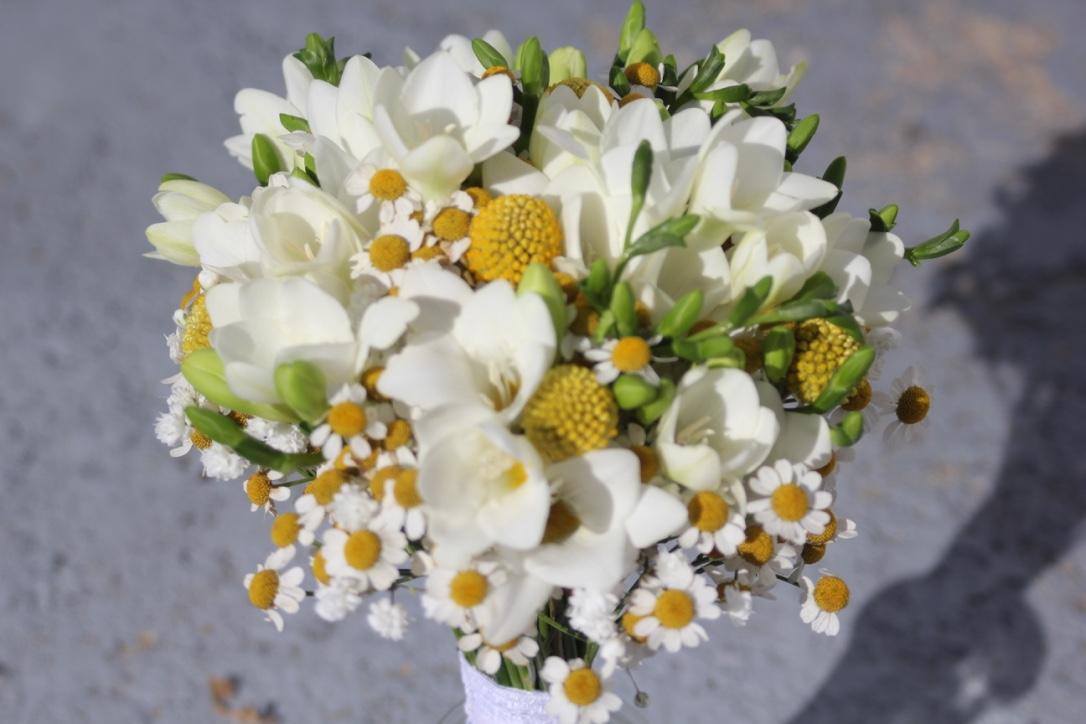 Bouquet de mariée champêtre jaune et blanc