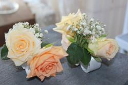 Bracelets de fleurs pour les témoins féminins