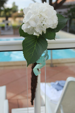 Bouts de banc réutilisés pour la décoration de la piscine