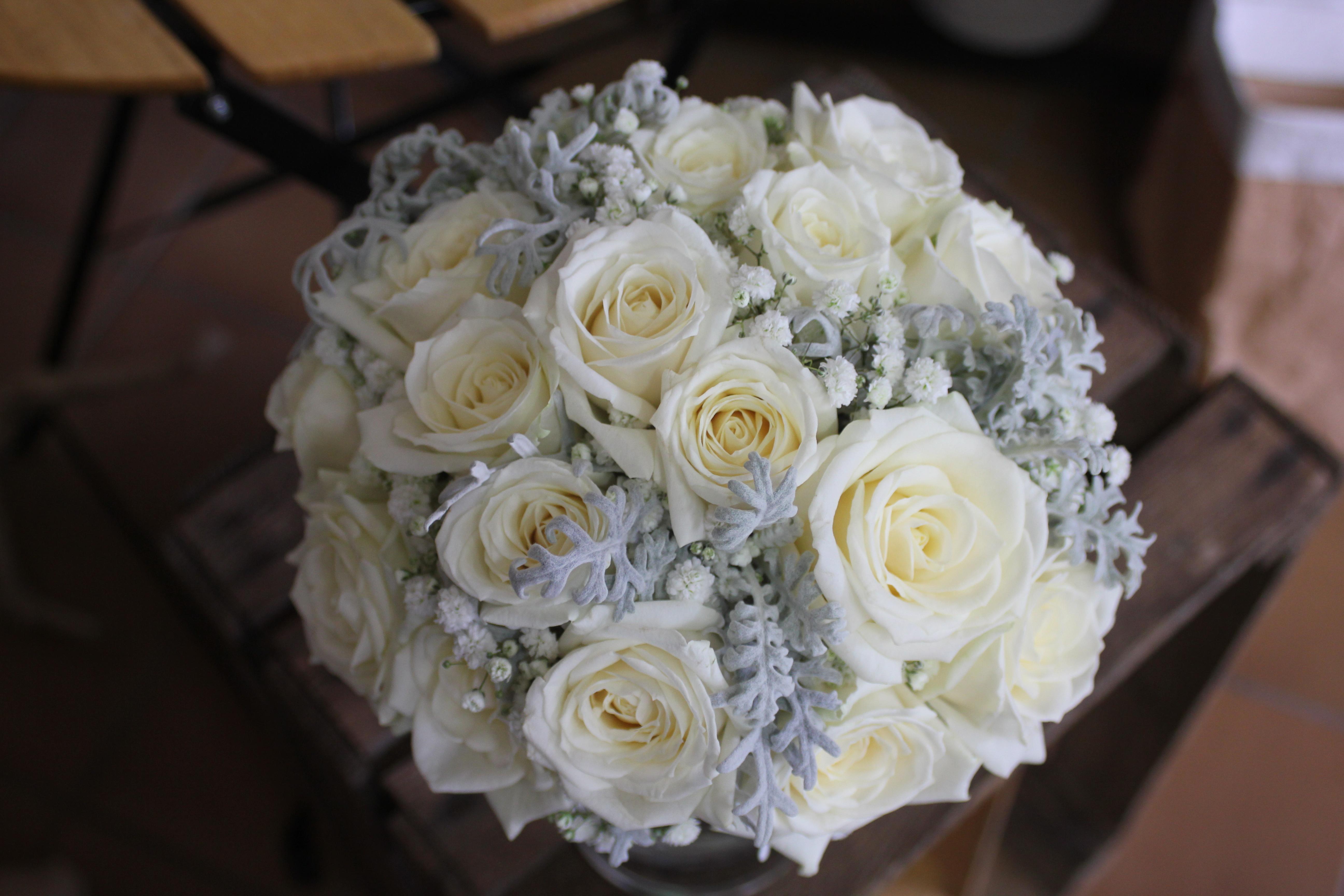 Bouquet de mariée blanc et gris
