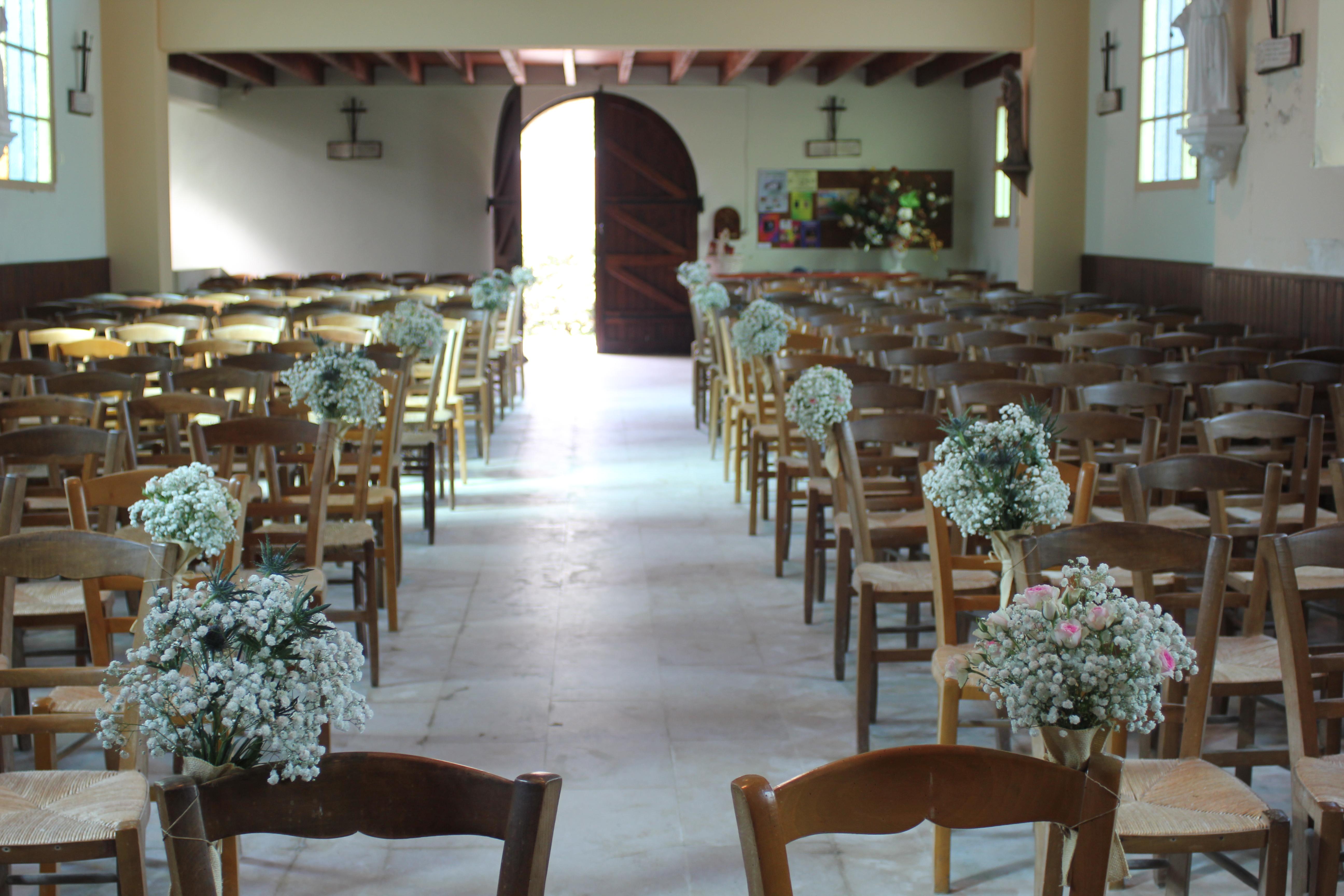 Bouts de banc bouquets gypsophile, roses mini eden et chardons