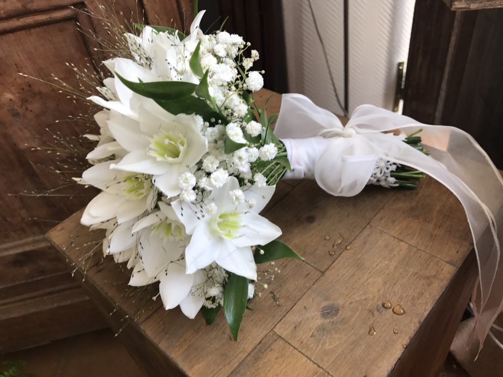 Bouquet de mariée eucharis blancs