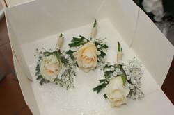 Boutonnières pour le marié et ses témoins