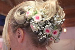 Demi-couronne gyspophile et roses mini eden