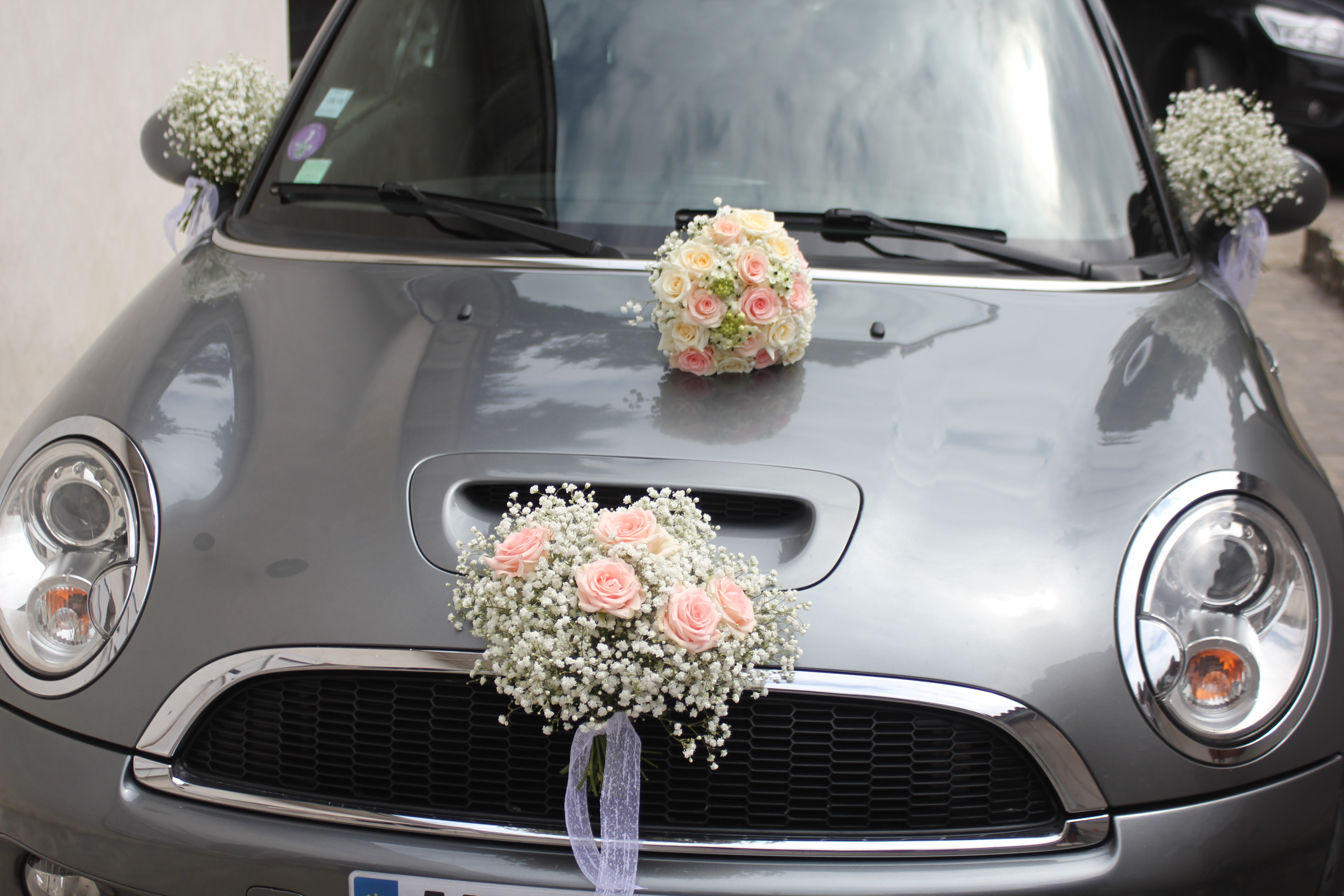 Décoration de la voiture des mariés