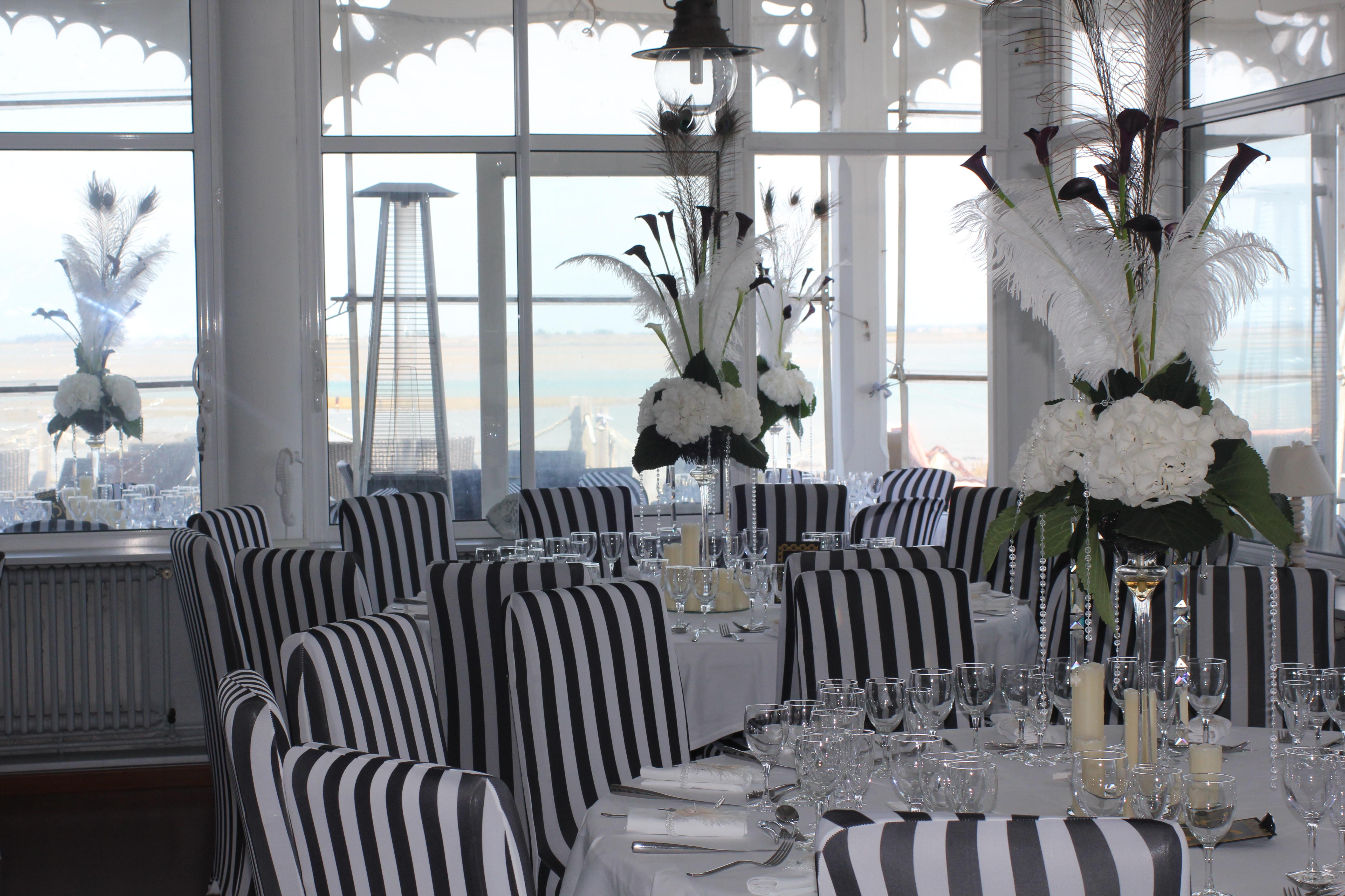 """Décoration des tables mariage """"Gatsby le magnifique"""" à La Maison sur l'Eau"""