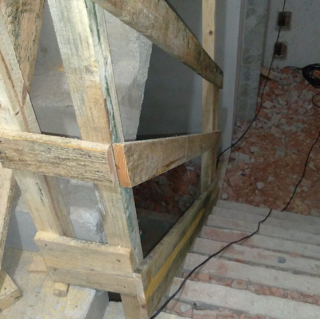Execução proteção das escadas
