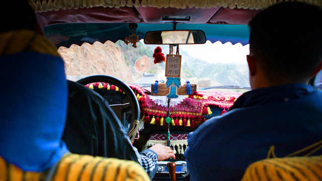 An taxi driver to the Rif Mountain